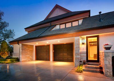 Modern new build with Fon Du Lac stone